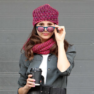 czapka-beanie-z-kominem-amarantowyamarantowy-modelka