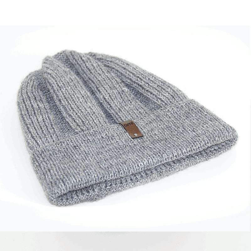 czapka-meska-szara-zimowa-poziomo